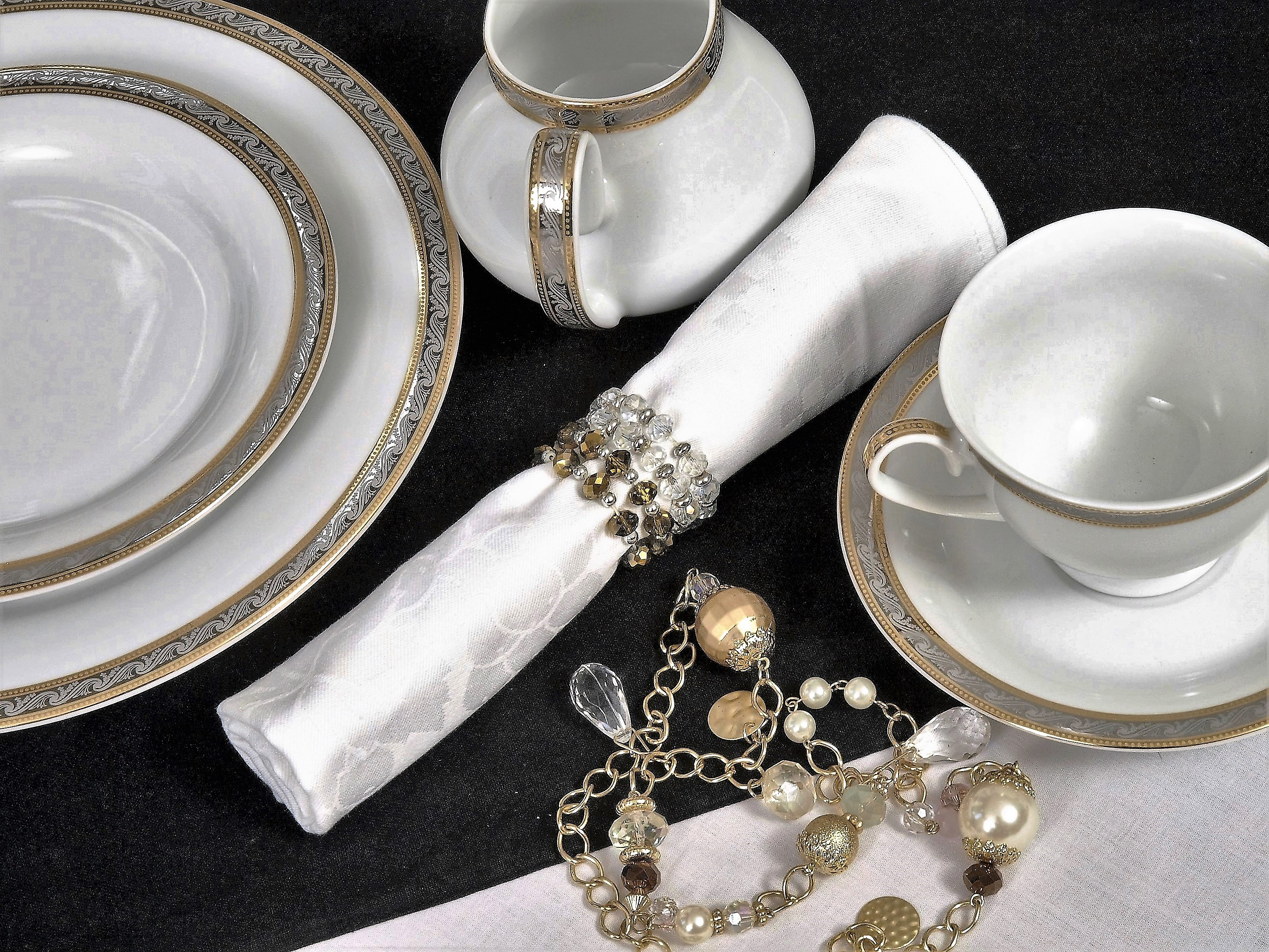 THE MYSOLICE 56 PIECE DINNER SERVICE